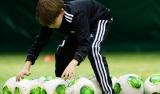Ośmiolatkowie poznają piłkarski świat