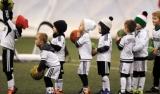 Jak trenować z dzieckiem piłkę nożną? Zobacz video!
